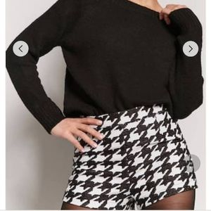 Nwt Houndstooth short Chanel like S